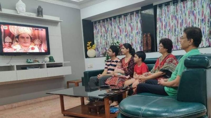 This picture of Ram watching 'Ramayana' is going viral on social media