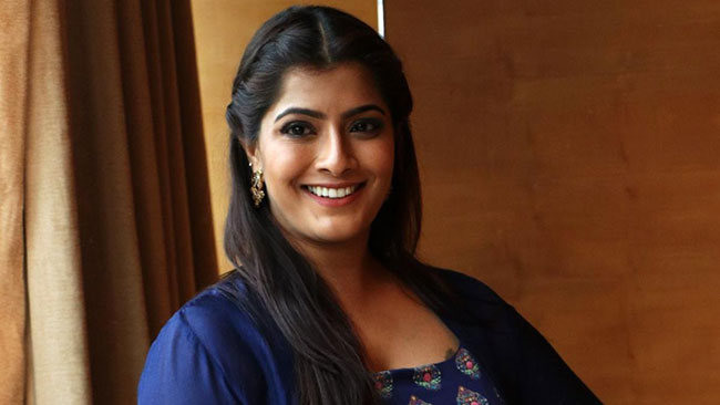 Tamil Actress Suggests To Watch Contagion
