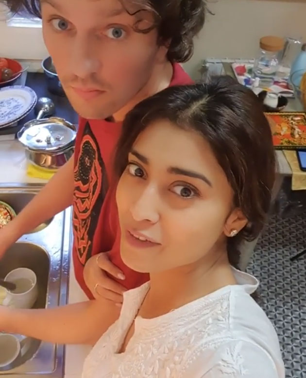 Shriya Challenges Arya And Allu Arjun