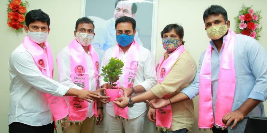 Telangana IT Minister KT Rama Rao inaugrates TRS's new tech cell office