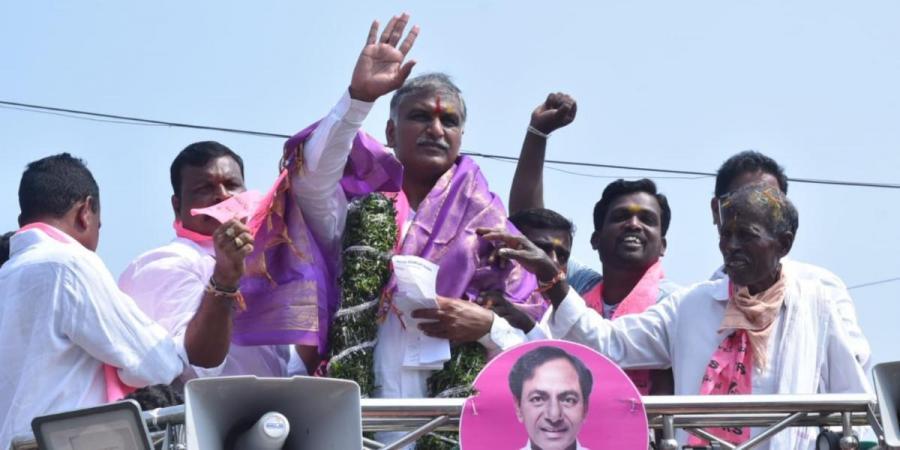 Dubbaka bypoll: 'KCR ensured welfare of ryots', says Telangana minister T Harish Rao