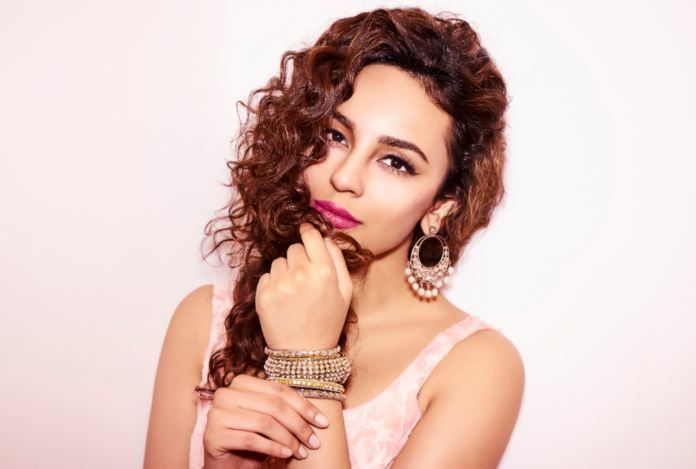 Seerat Kapoor devastated with the loss of flood affected family in Hyderabad