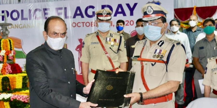 Police Commemoration Day: Telangana home minister, DGP pay floral tributes to martyred cops