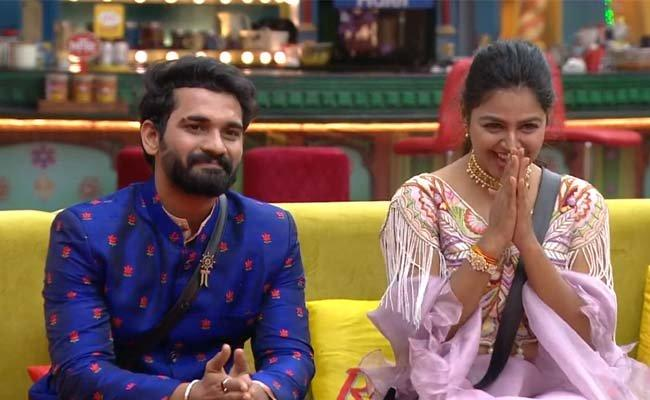 Monal Should Avoid Akhil And Stick To Abijeet If She Wants To Win: BB4 Telugu Fans