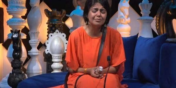 Big boss Telugu 4: Monal weeps inconsolably after the task!