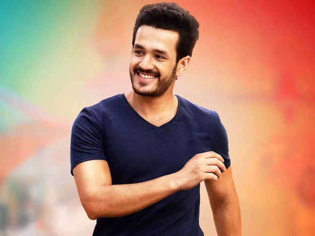 Akhil Getting Ready To Become Surender Reddy's Hero!