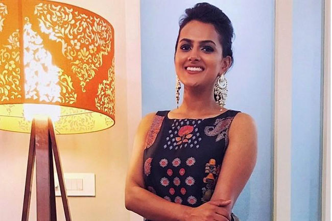 Shraddha Srinath Want To Be Maddy's Girl In Cheli Remake
