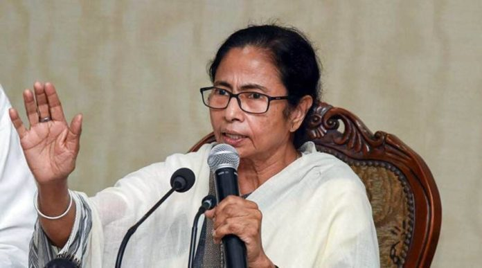 Mamata Banerjee blames Amit Shah for Cooch Behar violence, says a probe will start!