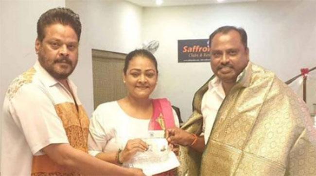 Shakeela Joins Congress