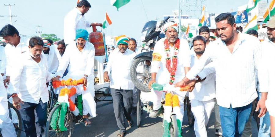 Bhatti's cycle yatra crosses finish line