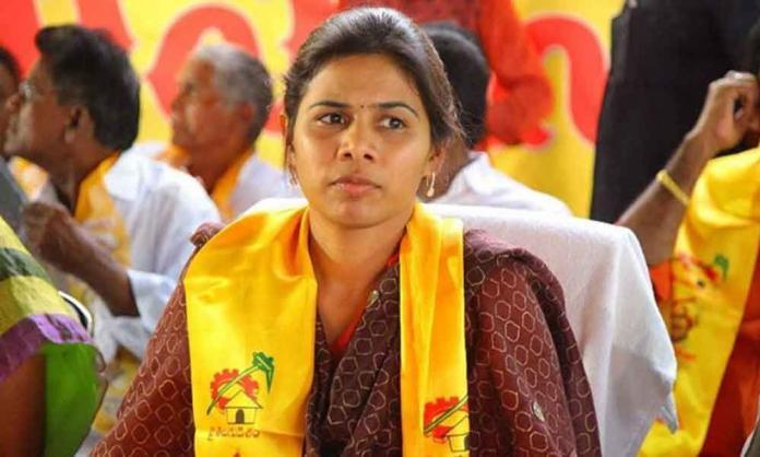 Bhuma Akhila Priya trying to get back into YSRCP?