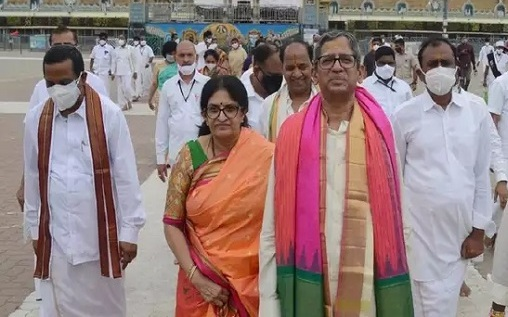 CJI Ramana visits holy shrine of Tirumala, seeks the blessing of the deity