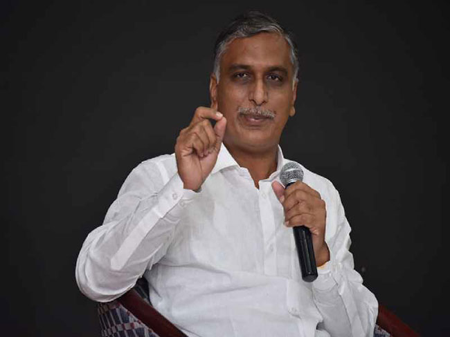 Harish Rao announces smart gadgets for Asha workers!