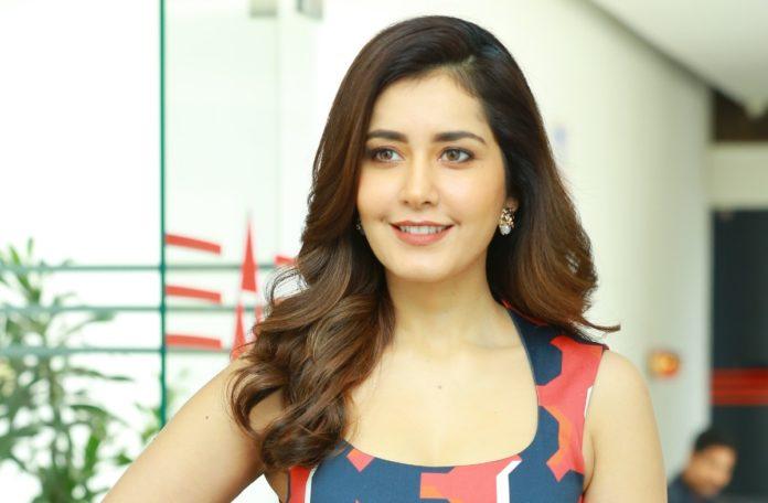 Rashi Khanna bags a big Bollywood offer