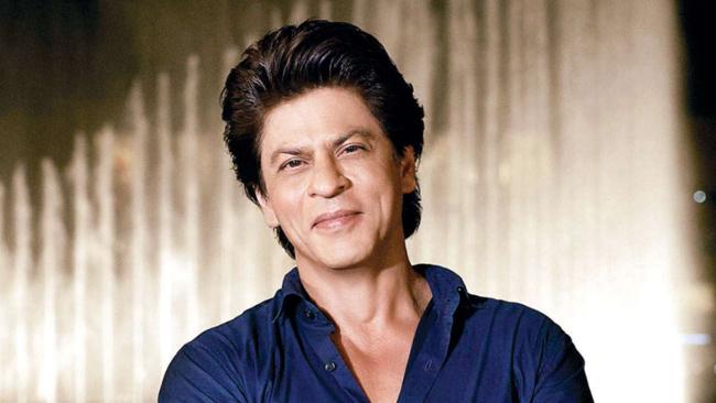 SRK Puts Legendary Director On Hold For Atlee!
