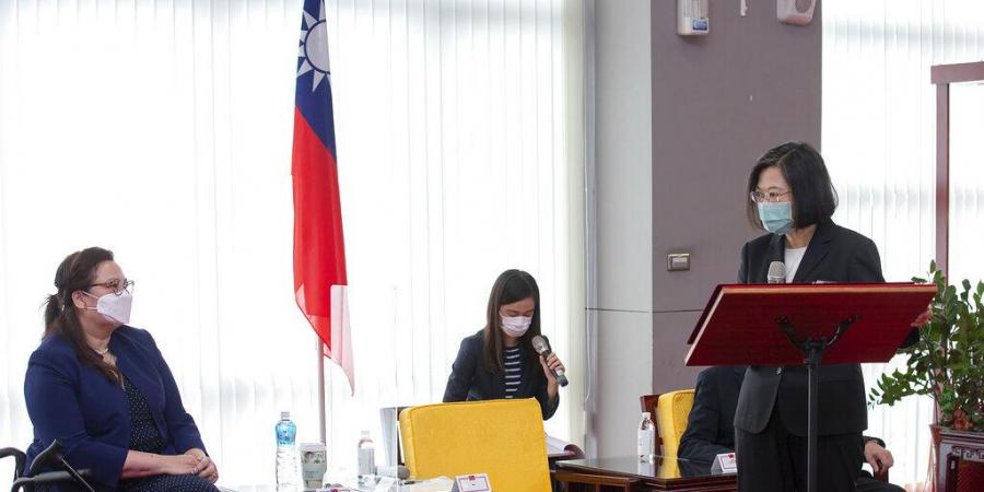 Senators say US donating COVID vaccines to Taiwan amid China row