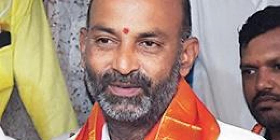 Centre's reply on funds leaves Bandi red-faced