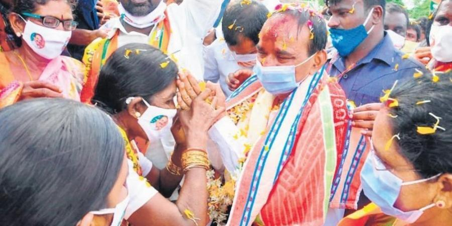 BJP leaders step into election mode to woo voters in Telangana's Huzurabad constituency