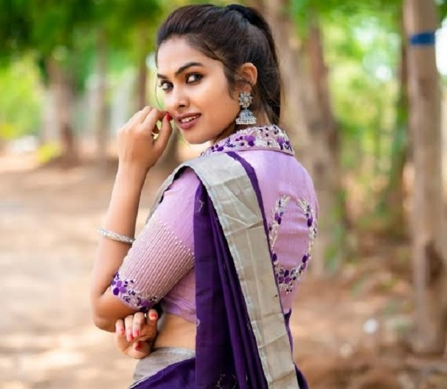 Pic Talk: Gorgeous Divi Goes Traditional In Lavendar!